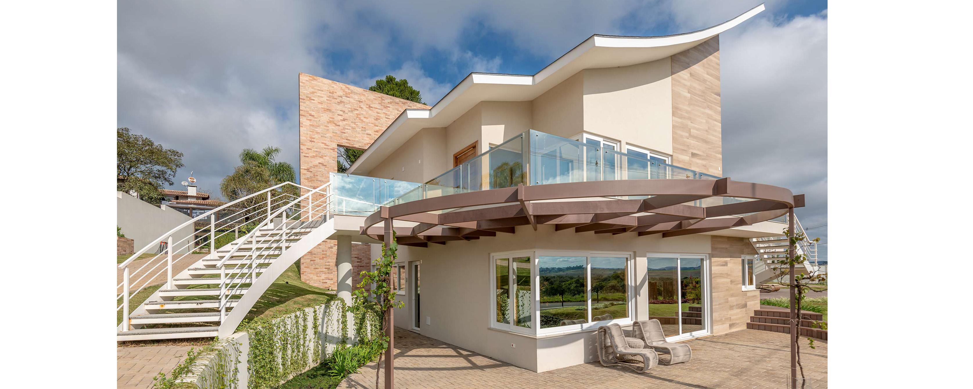 Casas sustentáveis com vidros de proteção solar